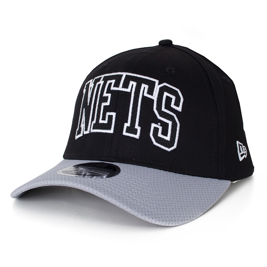 a8b0541fc157 Boné New Era 39thirty Brooklyn Nets Aba Curva Preto / Cinza