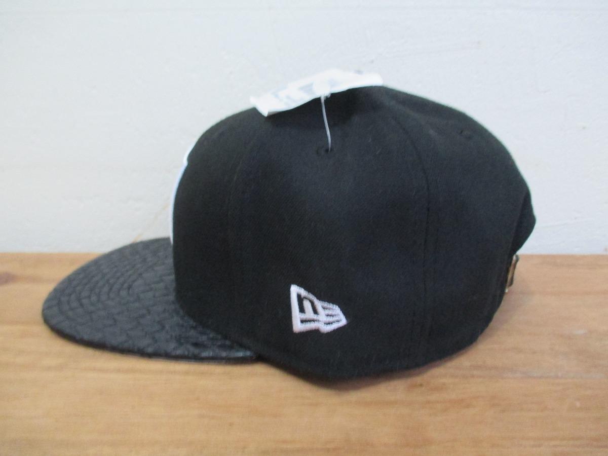 26a3092b4722e Boné New Era Oakland Raiders Eazy E Nfl Strapback Original - R  89 ...