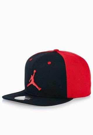 Boné Nike Air Jordan Preto E Vermelho Original - R  129 d39ce453b3b