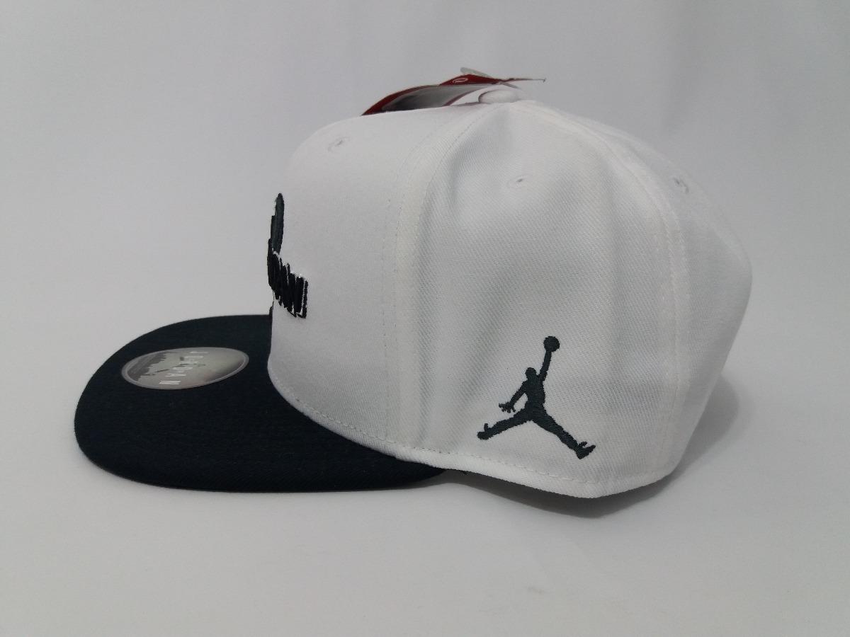 ... best sneakers 82861 54cda boné nike air jordan space jam branco original.  Carregando zoom. ... 1549ddca09b