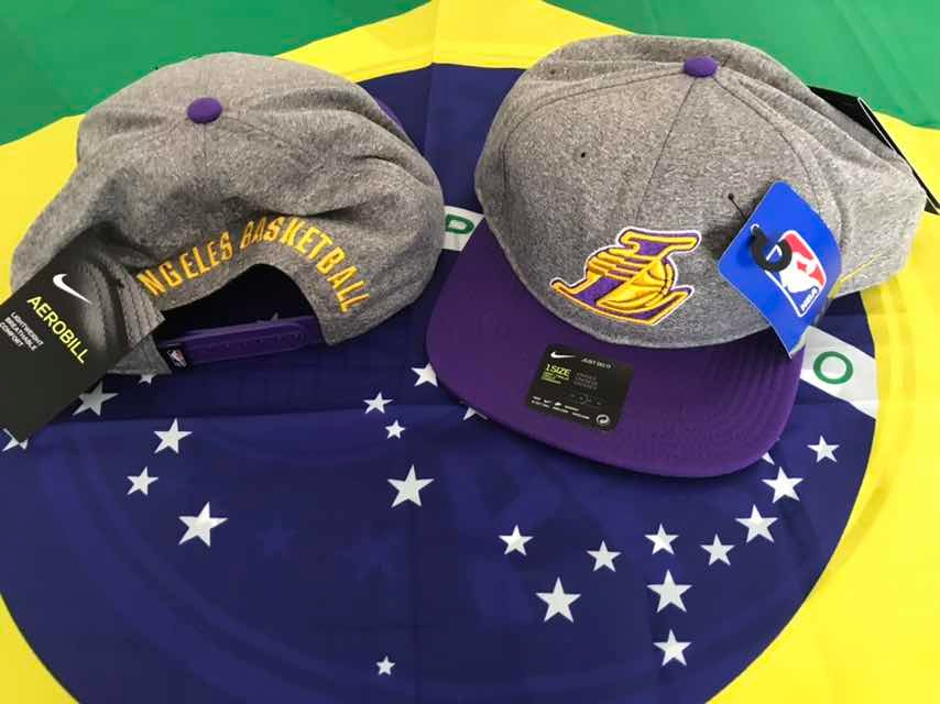 boné nike nba los angeles lakers arobill pro heather - u. Carregando zoom. 8e4211f3027