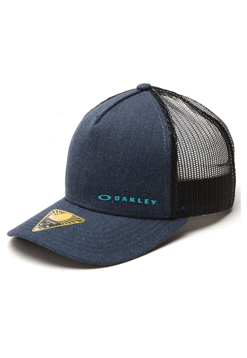 ab6c2ff759 Boné Oakley Original Aba Curva Com Tela Chalten Cap - R$ 169,90 em ...