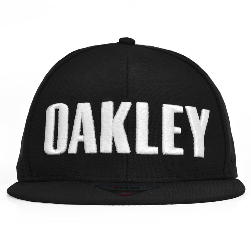 boné oakley perf hat aba reta snapback preto. Carregando zoom. 9354e919704