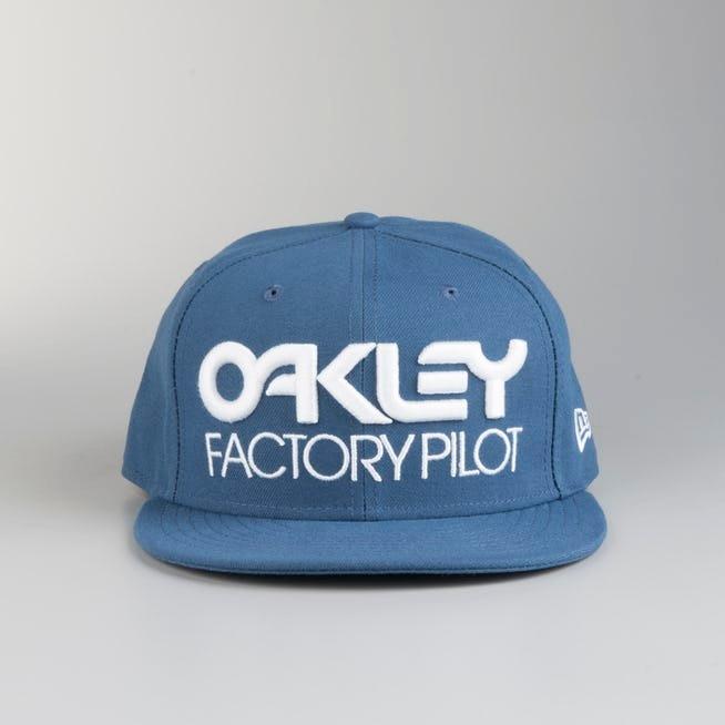 Boné Oakley Pilot Aba Reta Azul Oficial 12x S Juros - R  149 a6a1e83fe07ea