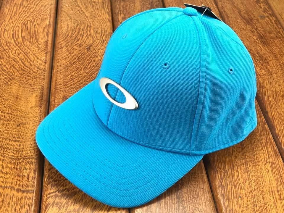 bone oakley tincan azul bebe oval original s m brinde so hj. Carregando zoom . bf001e4cd2f