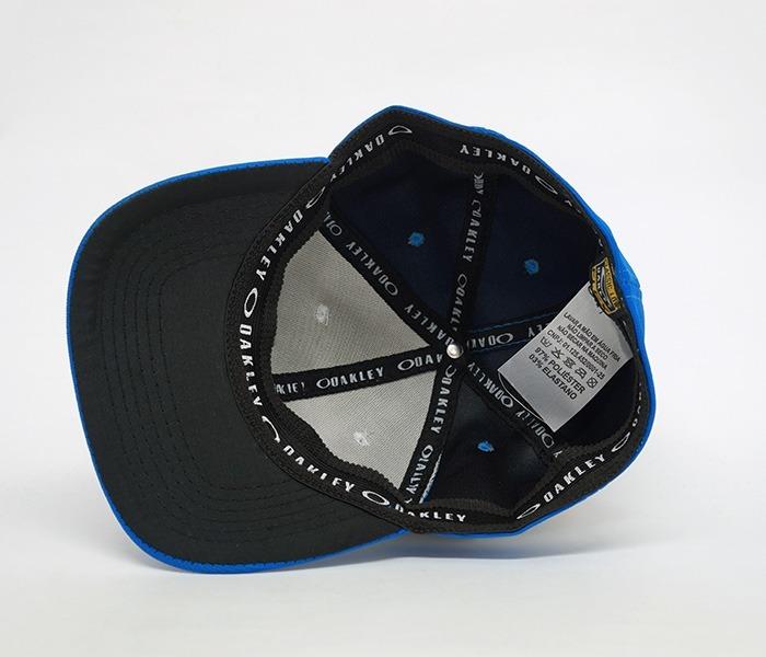 Boné Oakley Tincan Azul E Branco - R  59 c1a4fc9e235