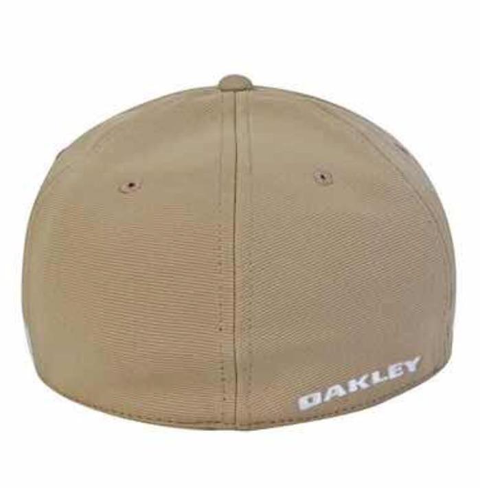 Boné Oakley Tincan Original S m - Branco E Bege - R  139 a65cff8a5a3