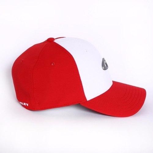 Bone Oakley Tincan Oval (vermelho Com Branco S m) - R  179 47ef992bbc3