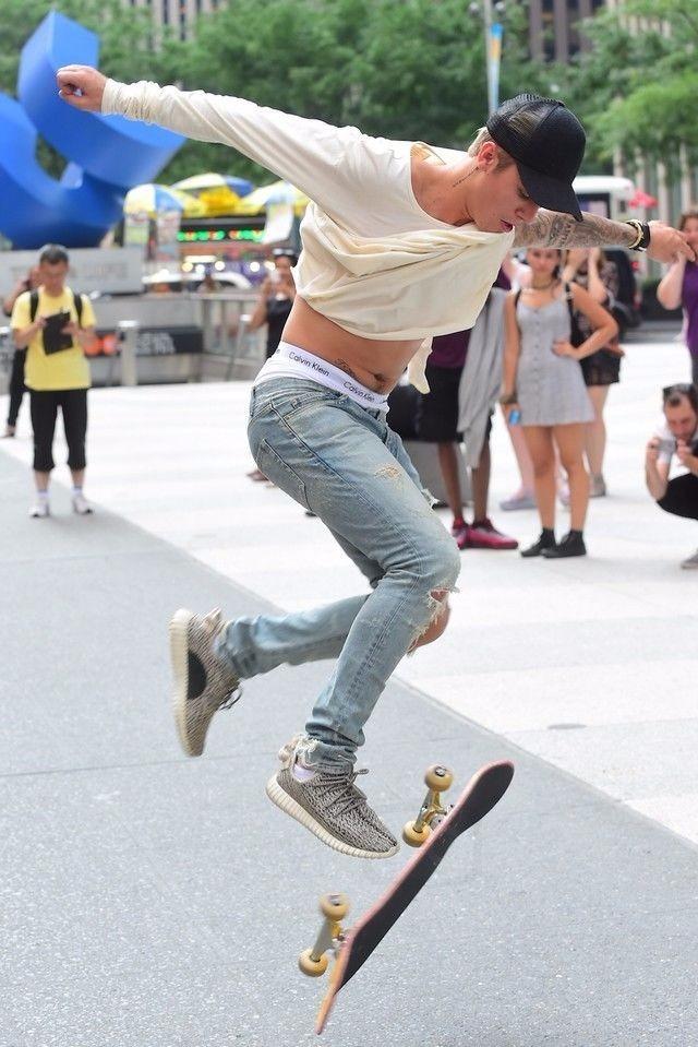 dc3ac9f6a69f1 boné tela trucker moda estilo skatista aba curva telinha. Carregando zoom.