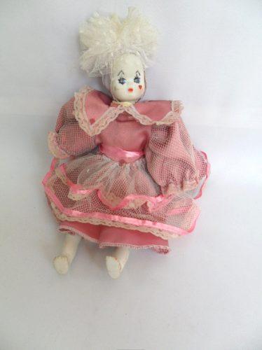 boneca antiga em porcelana rosto de pierrô e vestido cetim