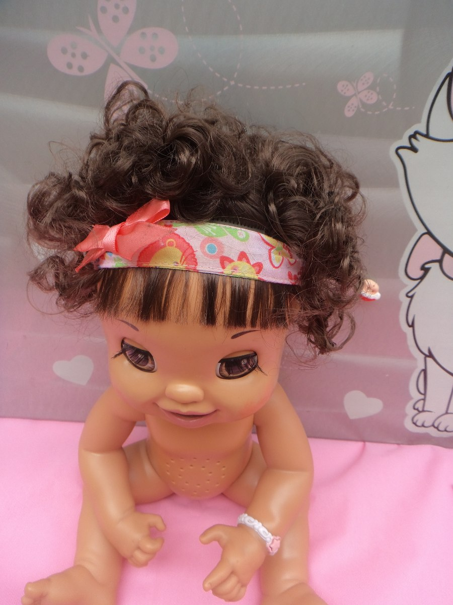 4eb1872b0a boneca baby alive troninho fala-português .morena lidissima. Carregando zoom .