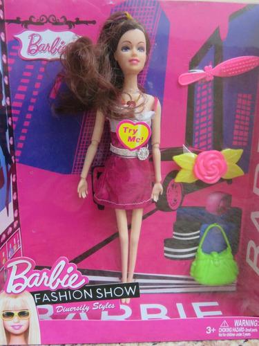 boneca barbie fashion show styles com acessórios musical