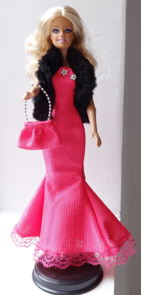 Bolsa De Festa Para Vestido Rosa : Boneca barbie loira vestido de festa rosa e bolsa r