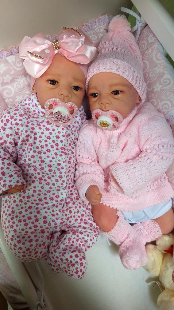 134664dc5 boneca bebê reborn realista gêmeas lindas e2 enxovais brinde. Carregando  zoom.