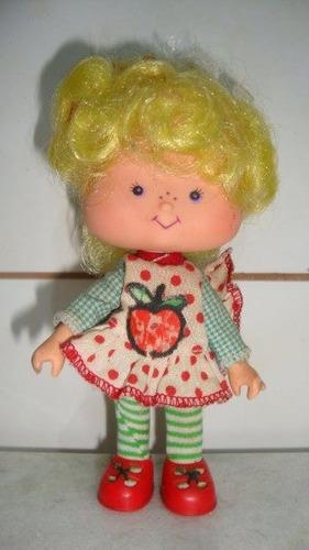 boneca coleção moranguinho maçãzinha