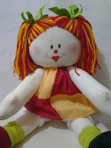 boneca  de pano  emilia decoração infantil