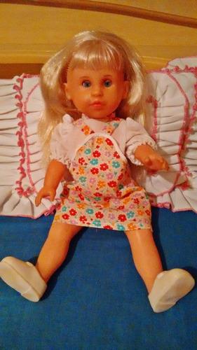 boneca em otimo estado de conservação