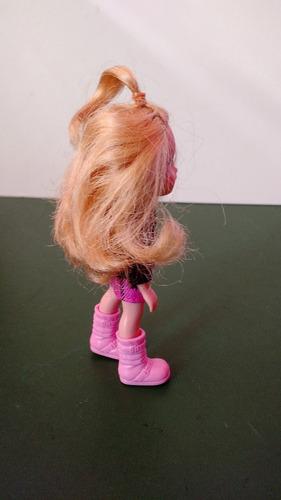 boneca kelly um pouco crescida vestido preto xadrex rosa 11c