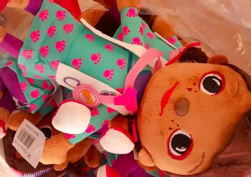 boneca pelucia doutora brinquedos musical