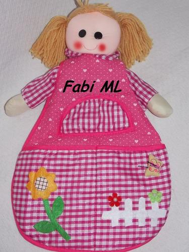 boneca porta fraldas e trecos