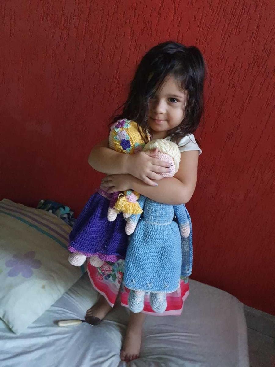 Make belle for b and rapunzel for maxie | Bonecas de crochê ... | 1200x900