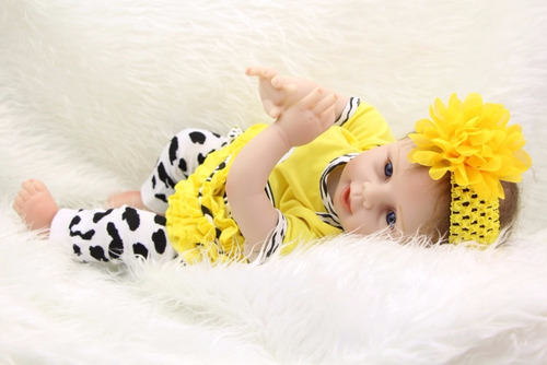boneca reborn laço amarelo em promoção por 525,00 reais