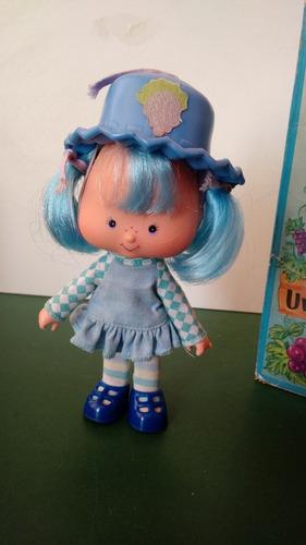 boneca uvinha estrela 1a versão moranguinho caixa c/restauro