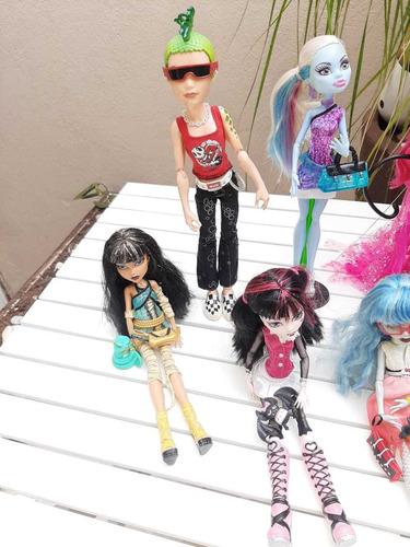 bonecas monster high *leia a descrição*