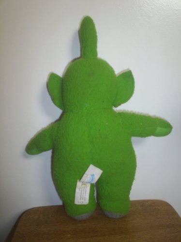 boneco dipsy teletubbies verde pelúcia e borracha