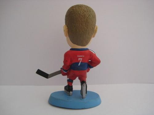 boneco esportivo miniatura