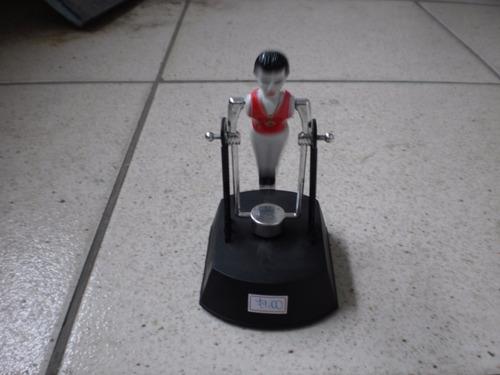 boneco ginasta olímpico