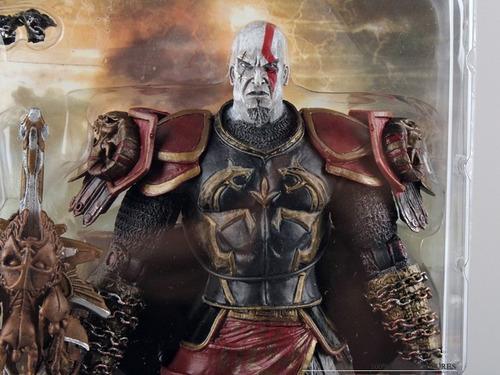 boneco god war