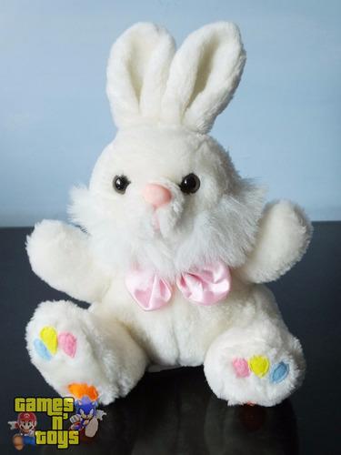boneco pelúcia coelhinho da pascoa coelho patinhas coloridas