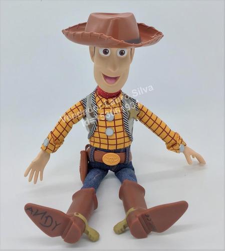 boneco xerife woody - toy story - 40 cm - fala várias frases