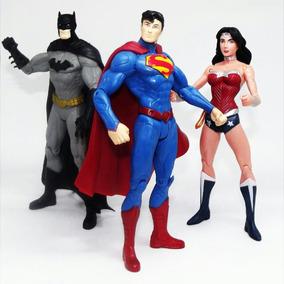 e5e7617b0ba0f Boneca Mulher Maravilha Super Herois Dc Batman - Bonecos e Figuras ...