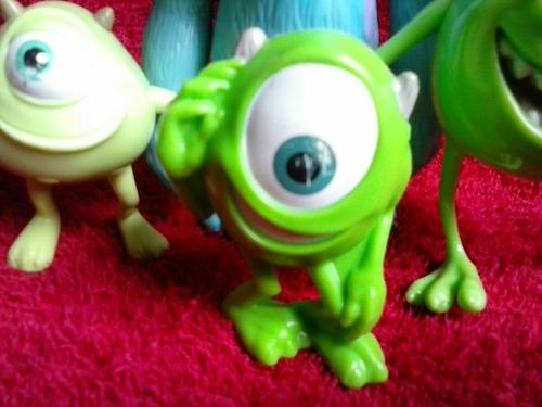 bonecos monstros s.a