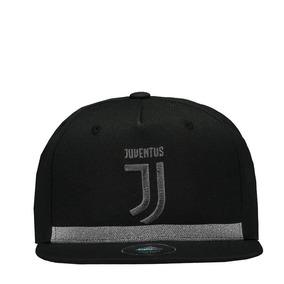 a5467e93b6a9c Bone Juventus Adidas no Mercado Livre Brasil