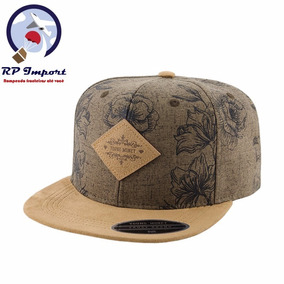 192812552db6f Boné Young Money Aba Reta Floral Marrom Snapback Original