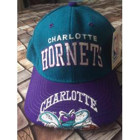 3aa12e2de705c Bone Charlotte Hornets Anos 90 - Bonés para Masculino no Mercado ...