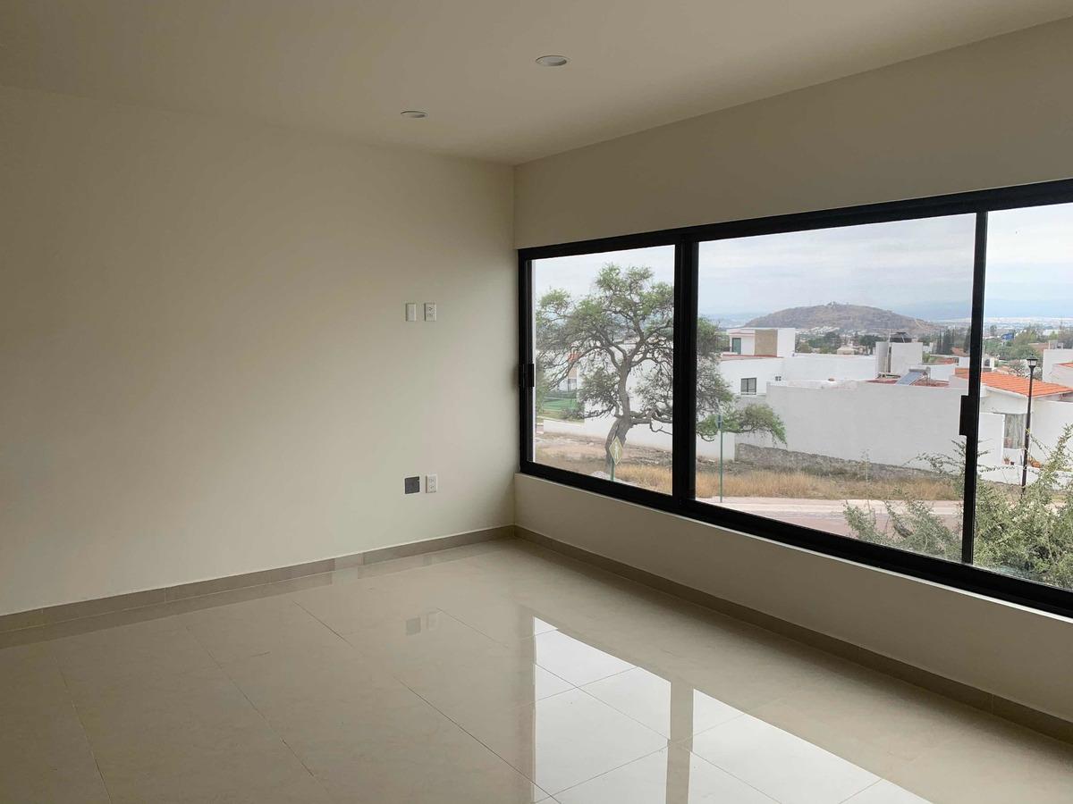 bonita casa, 210 m2 de construcción, 3 recamaras