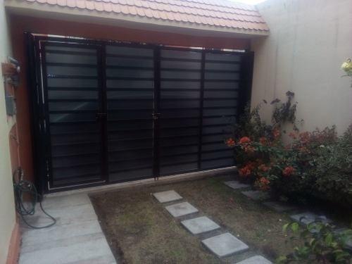 bonita casa 3rec, privada, con estacionamiento cerrado