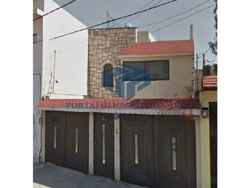 bonita casa con 3 recamaras ubicada en atlanta edo de mexico