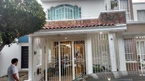 bonita casa con ampliación en col. parques del nilo
