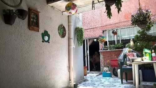 bonita casa con deptos para rentarlos