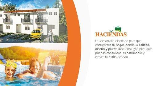 bonita casa de 2 plantas en fracc. las haciendas de la colonia jardines de azucenas en querã©taro
