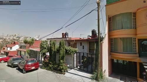 bonita casa de 3 pisos en remate, solo inversionistas!!