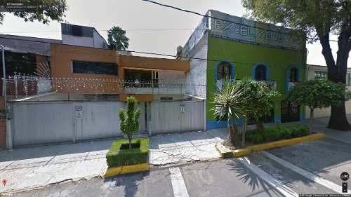 bonita casa de dos pisos en remate, urge su venta!!!