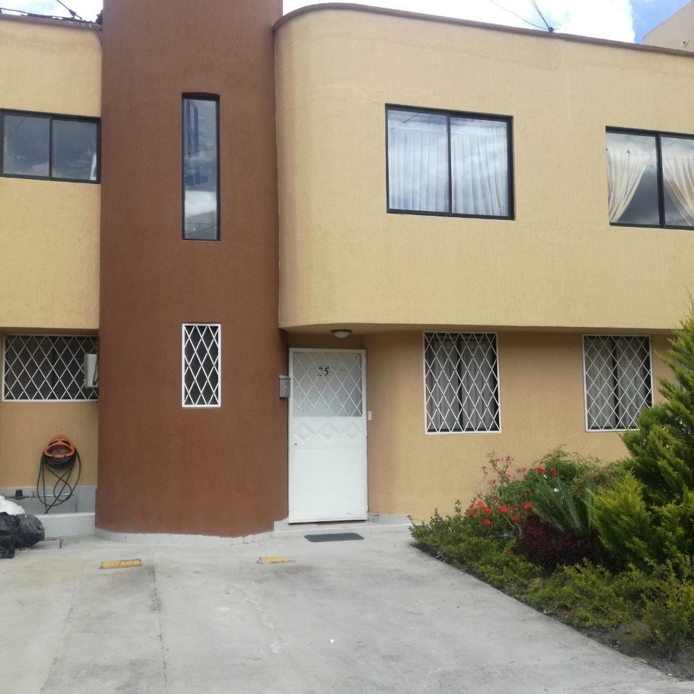 bonita casa en conjunto residencial en calderon