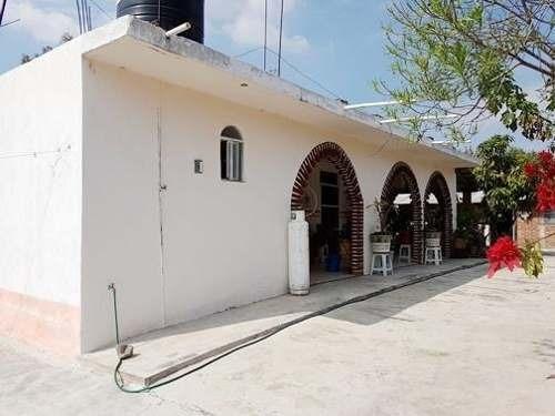 bonita casa en venta cerca de la plaza