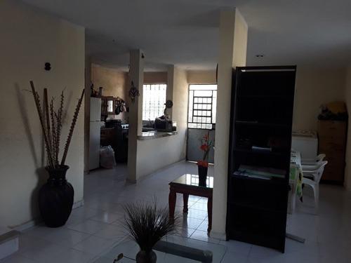 bonita casa en venta en la colonia maya